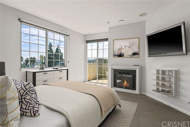 7218 Hillside Avenue #304, West Hollywood, CA 90046 - MLS#: SR21034521