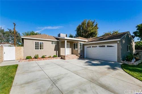 Photo of 18419 Sylvan Street, Tarzana, CA 91335 (MLS # 320004522)