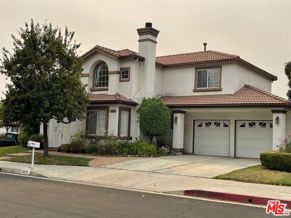 Photo for 8201 Amigo Avenue, Reseda, CA 91335 (MLS # 21787522)