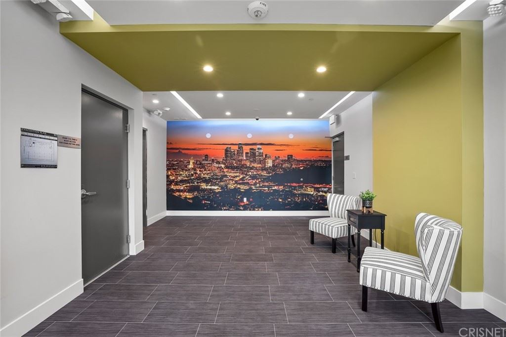 Photo of 5820 La Mirada Avenue #406, Hollywood, CA 90038 (MLS # SR21132522)