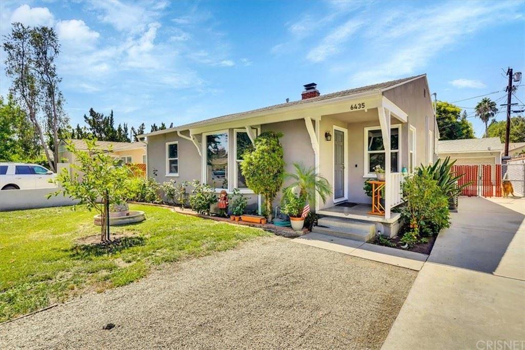 Photo of 6435 Dempsey Avenue, Lake Balboa, CA 91406 (MLS # SR21192522)