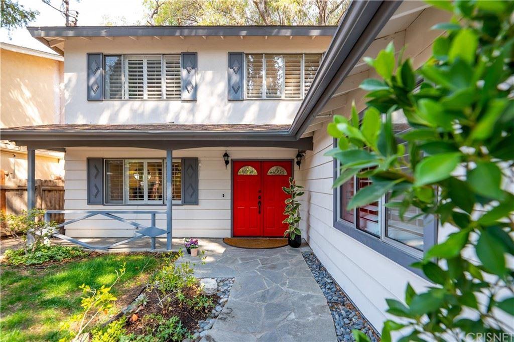 Photo of 22911 Mariano Street, Woodland Hills, CA 91367 (MLS # SR21201522)