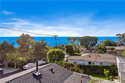 Photo of 31509 Eagle Rock Way, Laguna Beach, CA 92651 (MLS # LG20242526)