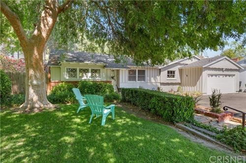 Photo of 23327 Oxnard Street, Woodland Hills, CA 91367 (MLS # SR21070526)