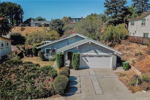 Photo of 11421 Amigo Avenue, Northridge, CA 91326 (MLS # SR21204526)