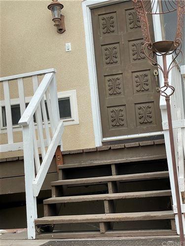 Photo of 17843 Rinaldi Street, Granada Hills, CA 91344 (MLS # SR21209526)