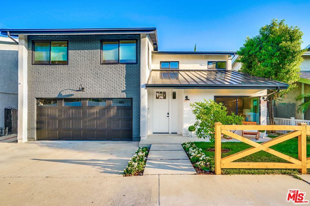 Photo for 13108 ALBERS Street, Sherman Oaks, CA 91401 (MLS # 19487526)