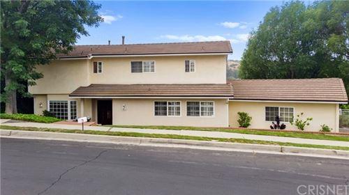 Photo of 17060 Oak View Drive, Encino, CA 91436 (MLS # SR20104528)