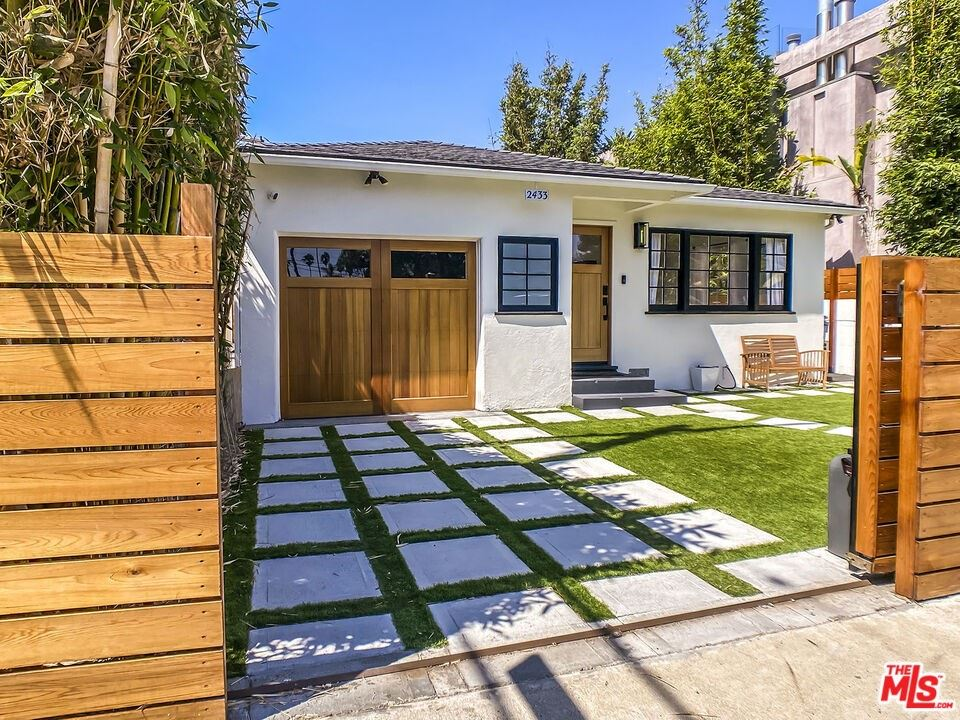 2433 Wilson Avenue, Venice, CA 90291 - MLS#: 21781528