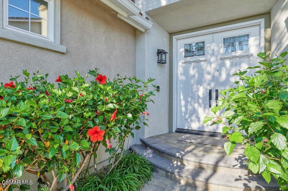 Photo of 4554 Bluewood Court, Moorpark, CA 93021 (MLS # 221005528)