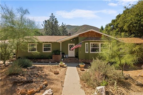 Photo of 15806 Calle Hermosa, Green Valley, CA 91390 (MLS # SR21144529)
