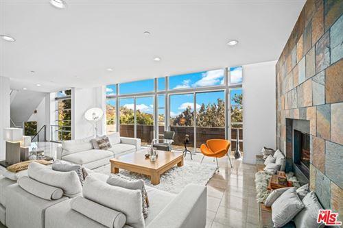 Photo of 1076 Carrara Place, Los Angeles, CA 90049 (MLS # 21686530)