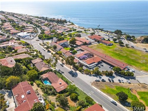 Photo of 360 Via Almar, Palos Verdes Estates, CA 90274 (MLS # SB21126532)