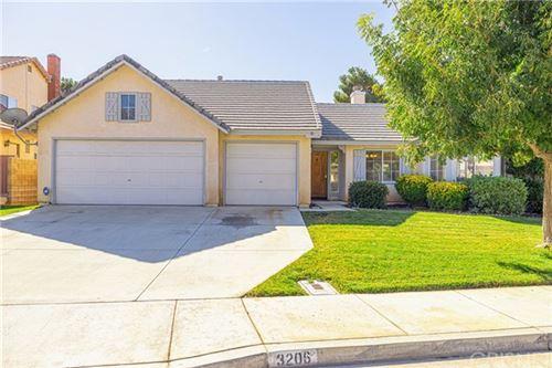 Photo of 3206 Racquet Lane, Palmdale, CA 93551 (MLS # SR20228532)