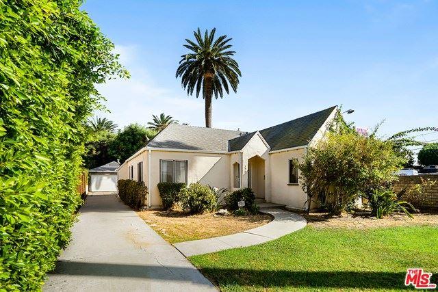 Photo of 328 N Sweetzer Avenue, Los Angeles, CA 90048 (MLS # 20651532)