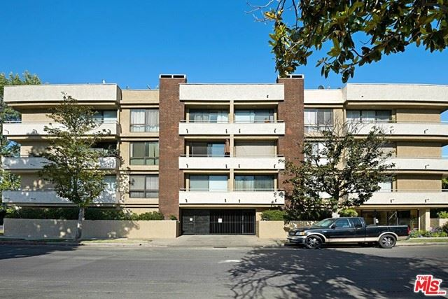 Photo of 12152 Moorpark Street #204, Studio City, CA 91604 (MLS # 21747532)