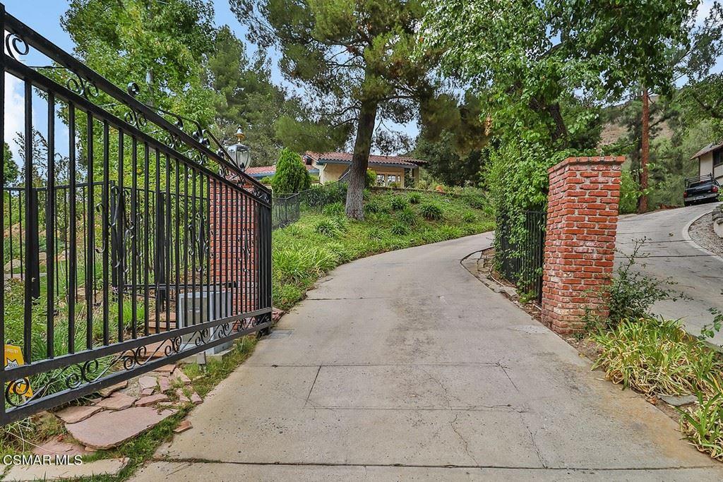 Photo of 4195 Summit Ridge Court, Westlake Village, CA 91362 (MLS # 221005532)