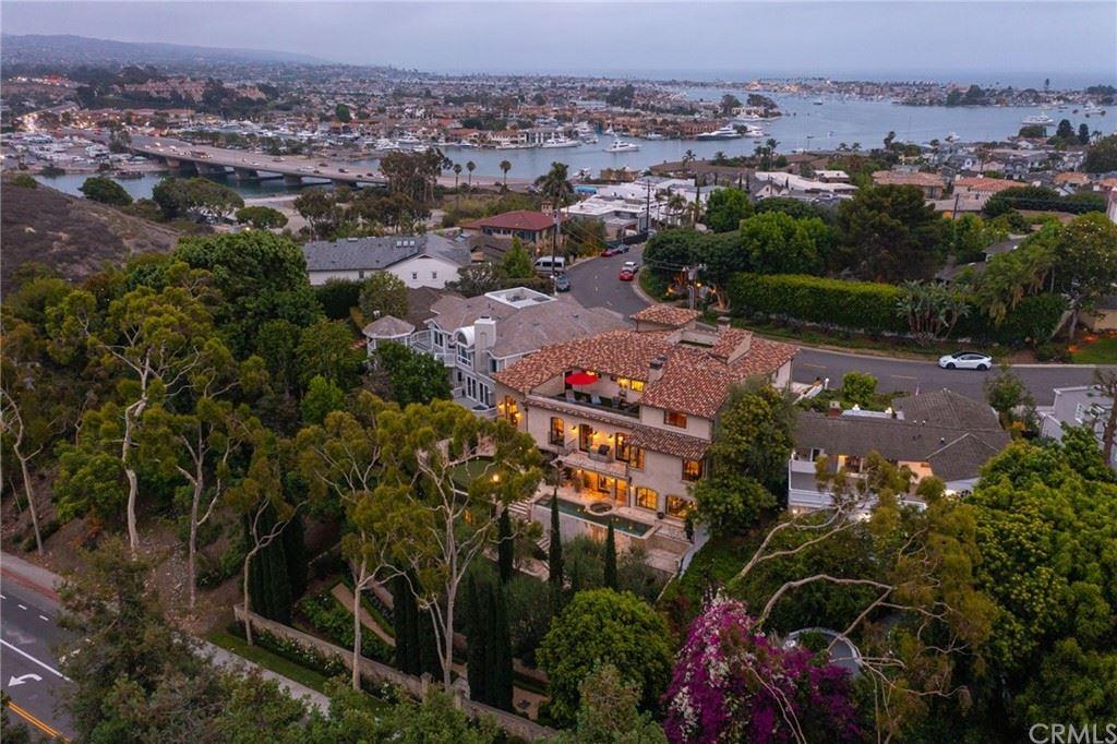 Photo of 216 Kings Place, Newport Beach, CA 92663 (MLS # NP21162532)