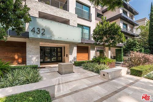Photo of 432 N Oakhurst Drive #204, Beverly Hills, CA 90210 (MLS # 20621536)