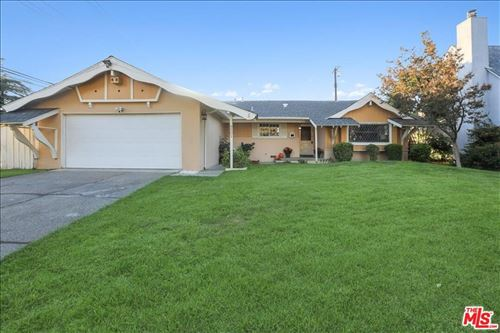 Photo of 9501 Quartz Avenue, Chatsworth, CA 91311 (MLS # 21795536)