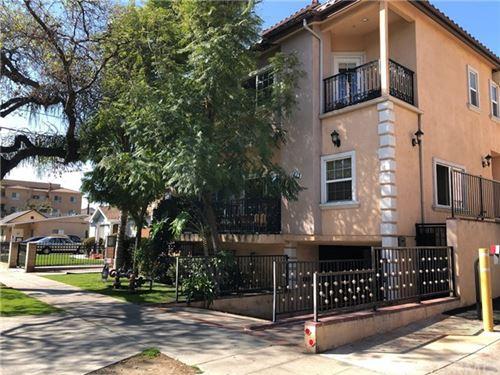 Photo of 1613 Grismer Avenue #105, Burbank, CA 91504 (MLS # CV21031536)