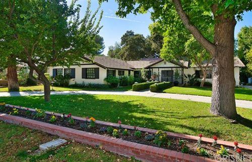 Photo of 24433 Cross Street, Newhall, CA 91321 (MLS # SR20224536)