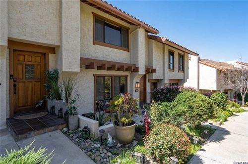Photo of 1617 Camino De Villas, Burbank, CA 91501 (MLS # 320005537)