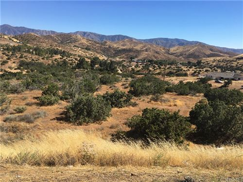 Photo of 0 Vac/Escondido Canyon Rd/Bigspr, Agua Dulce, CA 91350 (MLS # SR20164537)