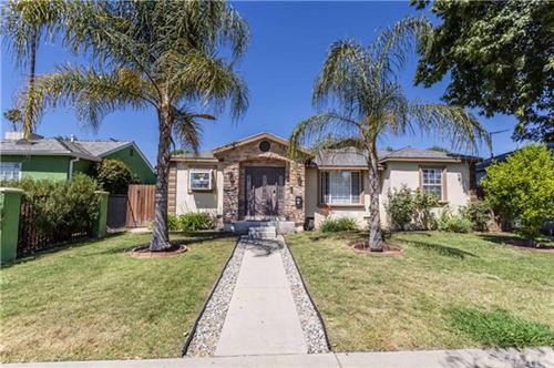 Photo of 6929 White Oak Avenue, Reseda, CA 91335 (MLS # SW21096537)