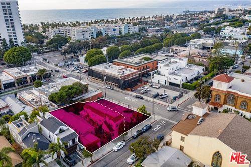 Photo of 2708 2ND Street, Santa Monica, CA 90405 (MLS # 20550538)