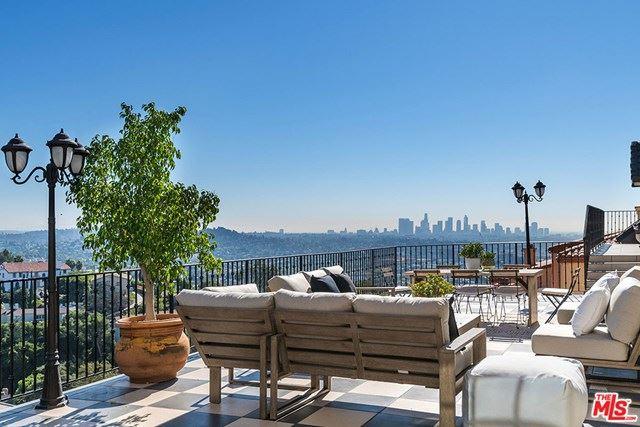 Photo of 2640 Nottingham Avenue, Los Angeles, CA 90027 (MLS # 20655538)
