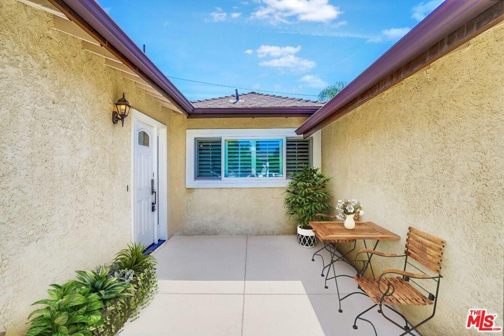 Photo of 10656 Aldea Avenue, Granada Hills, CA 91344 (MLS # 21738538)