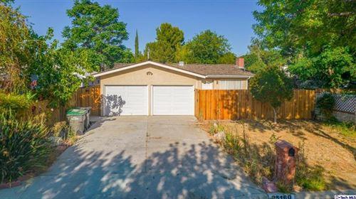 Photo of 25160 Everett Drive, Newhall, CA 91321 (MLS # 320006540)