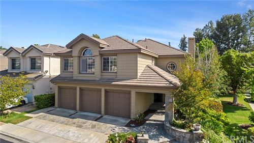 Photo of 8 Summitcrest, Rancho Santa Margarita, CA 92679 (MLS # OC21103540)