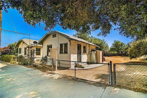 Photo of 24715 Walnut Street, Newhall, CA 91321 (MLS # SR21080541)