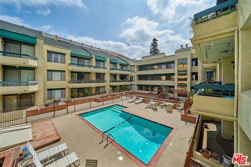 Photo of 435 S La Fayette Park Place #209, Los Angeles, CA 90057 (MLS # 21711542)