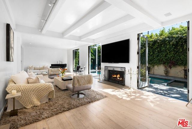 Photo of 9329 Doheny Road, Beverly Hills, CA 90210 (MLS # 21709542)