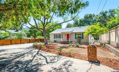 Photo of 3708 Altura Avenue, Glendale, CA 91214 (MLS # 320006543)
