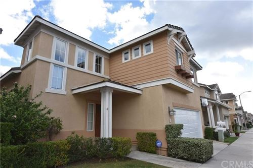 Photo of 12 Silkwood Lane, Rancho Santa Margarita, CA 92688 (MLS # OC21015543)