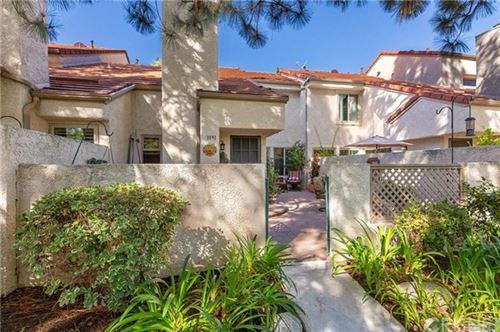 Photo of 1091 Via Colinas, Westlake Village, CA 91362 (MLS # SR20091543)