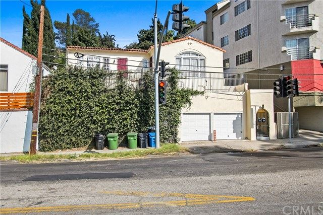Photo of 2338 N Cahuenga Boulevard, Hollywood Hills, CA 90068 (MLS # CV20067543)