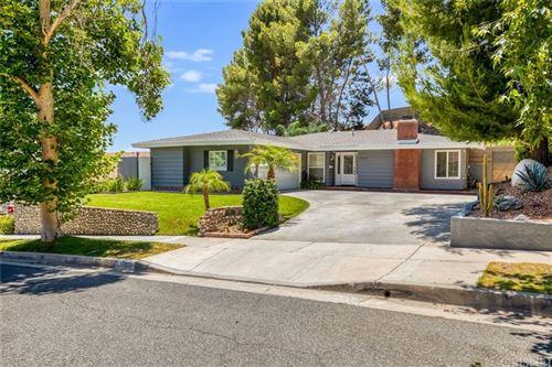 Photo of 27915 Featherstar Avenue, Saugus, CA 91350 (MLS # SR21144544)