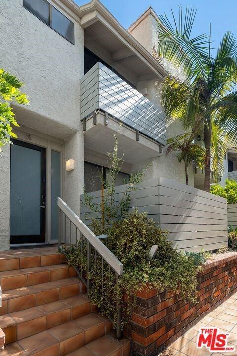 Photo of 8611 Burton Way #11, Los Angeles, CA 90048 (MLS # 21765544)