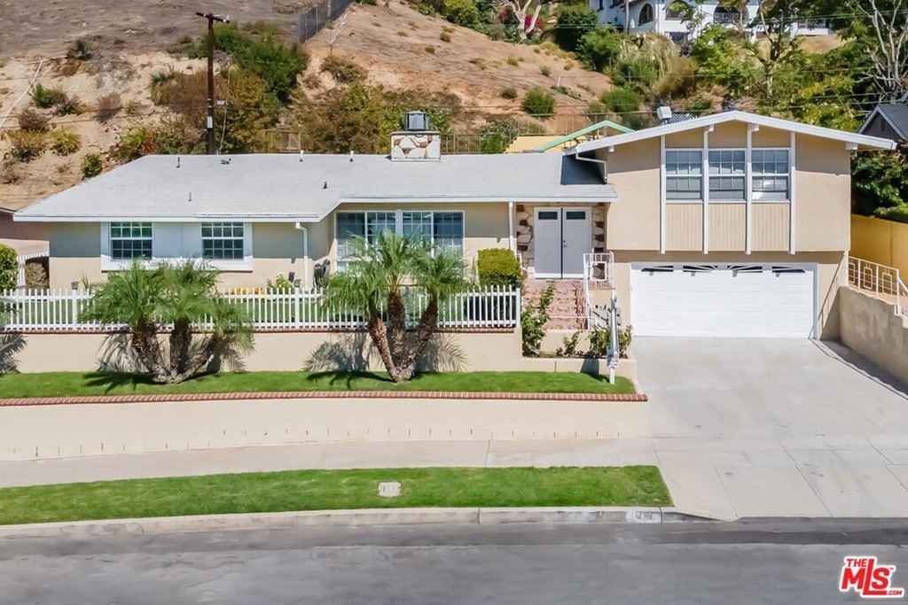 Photo of 1018 N Sunset Canyon Drive, Burbank, CA 91504 (MLS # 21794544)