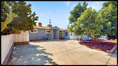 Photo of 7942 Chastain Avenue, Reseda, CA 91335 (MLS # SR21205545)