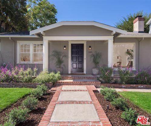 Photo of 585 N Beachwood Drive, Los Angeles, CA 90004 (MLS # 20639546)