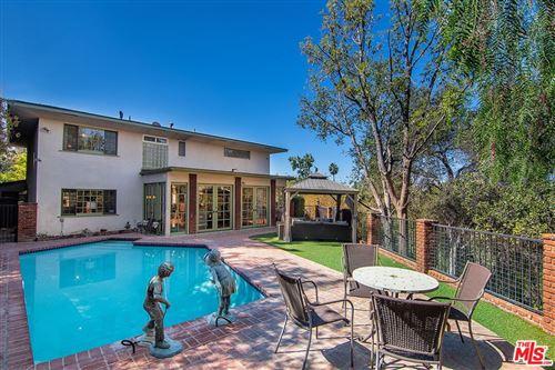 Photo of 15781 Castlewoods Drive, Sherman Oaks, CA 91403 (MLS # 21794548)