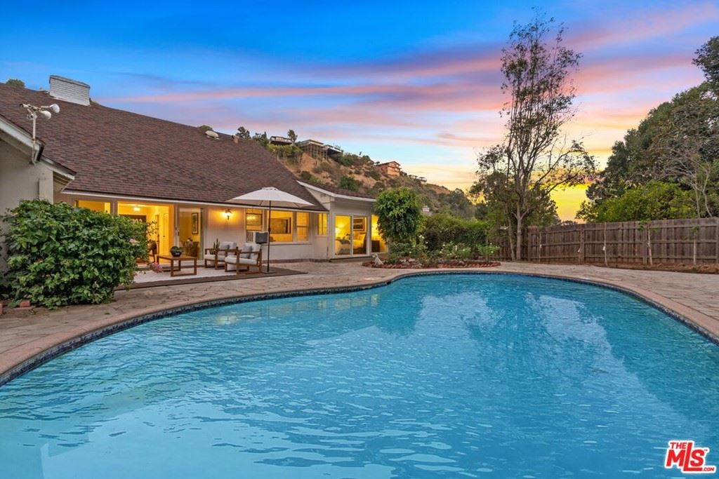 Photo of 2279 Coldwater Canyon Drive, Beverly Hills, CA 90210 (MLS # 21790548)