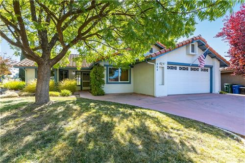 Photo of 904 Spyglass Court, Paso Robles, CA 93446 (MLS # NS21229549)