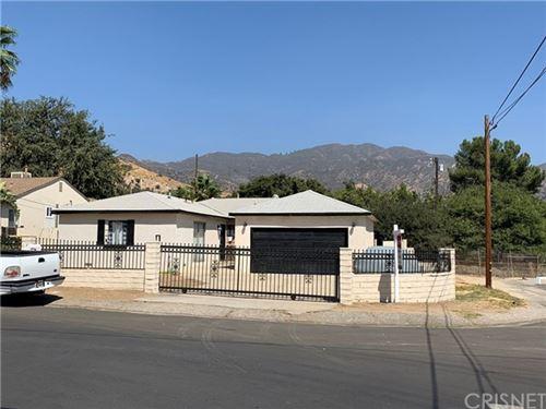 Photo of 13800 Dronfield Place, Sylmar, CA 91342 (MLS # SR20195549)